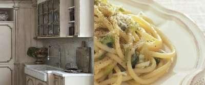Bucatini con aglio porro e pecorino